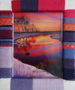 Yarn wrapping frame
