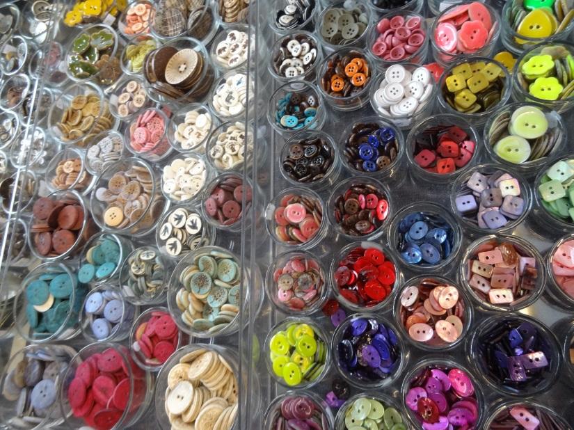 Textile gardens buttons